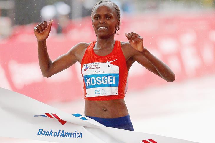 Queniana Brigid Kosgei vence a Maratona de Chicago e estabelece novo recorde feminino