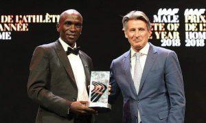 Kipchoge é eleito pela Federação Internacional de Atletismo (IAAF) o atleta do ano