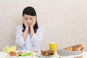 Você come mesmo sem estar com fome? Confira 4 dicas para driblar a compulsão alimentar
