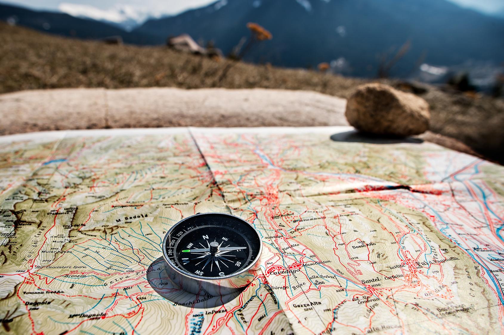 Pegue sua bússola e mapa e vêm se aventurar no turismo esportivo | Foto: Franco Visintainer / Fotolia
