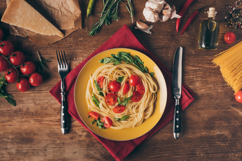 Mito ou Verdade: Tem que comer massa na noite anterior à prova?| Foto: AntonMatyukha / Deposit Photos