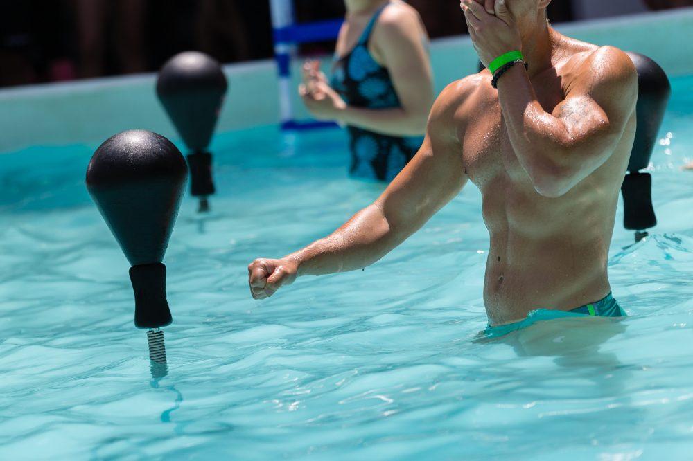 Os benefícios da imersão são proporcionados por meio das alterações fisiológicas que ocorrem pelas propriedades físicas da água Foto: GioRez/Fotolia