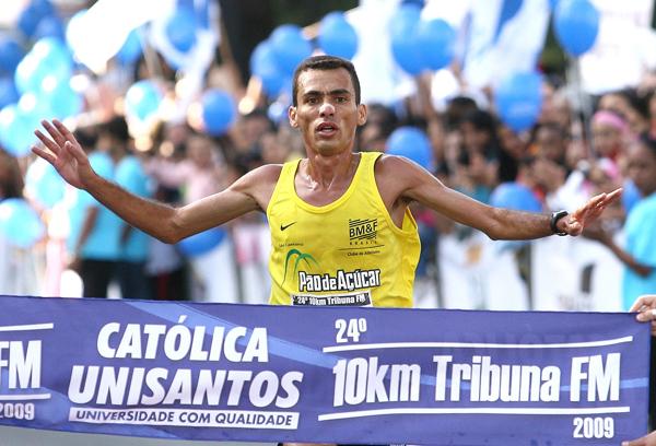 Marilson Gomes quando venceu a prova Foto: Guilherme Dionízio/FMA Notícias