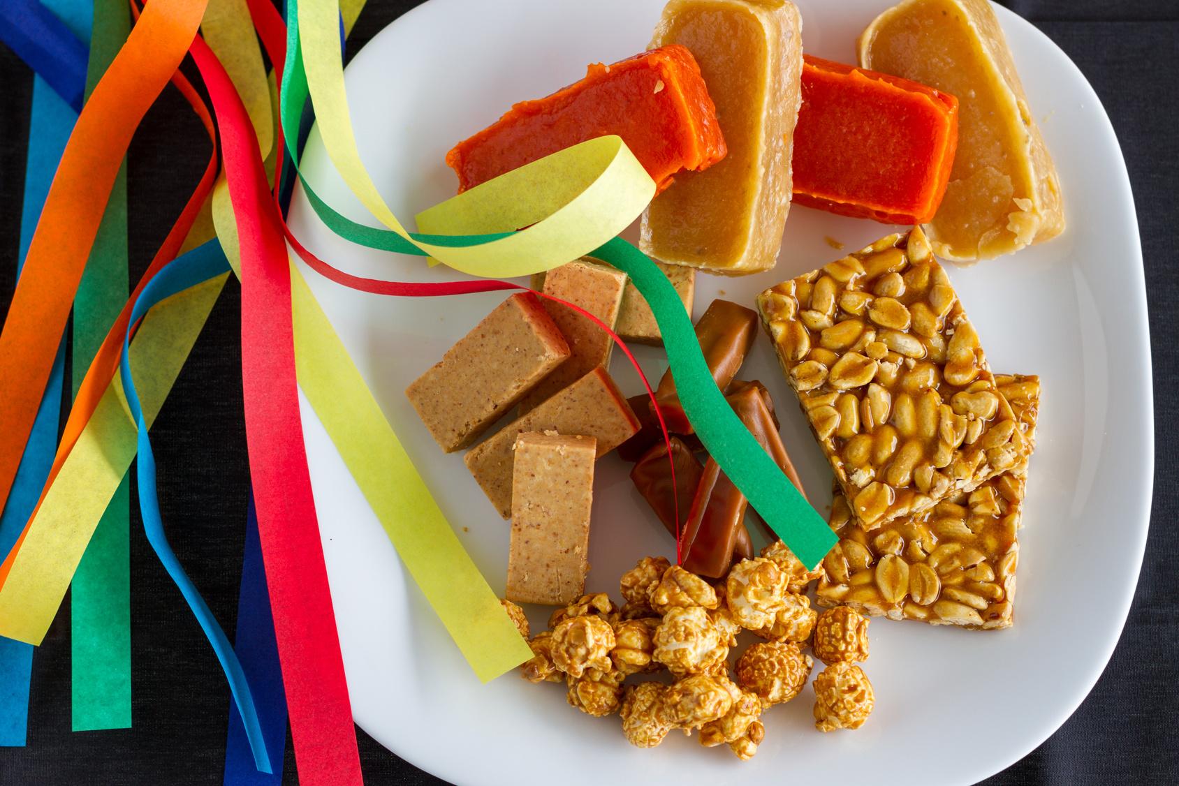 Salsicha, paçoca, arroz-doce e canjica, por exemplo, possuem quase 400 calorias em apenas 100 gramas Foto: Isabel Fragoso Marin/Fotolia