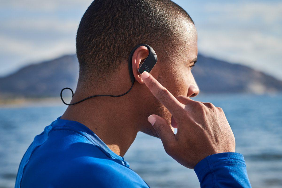 JBL Endurance Sprint é o fone de ouvido ideal para os praticantes de atividades físicas