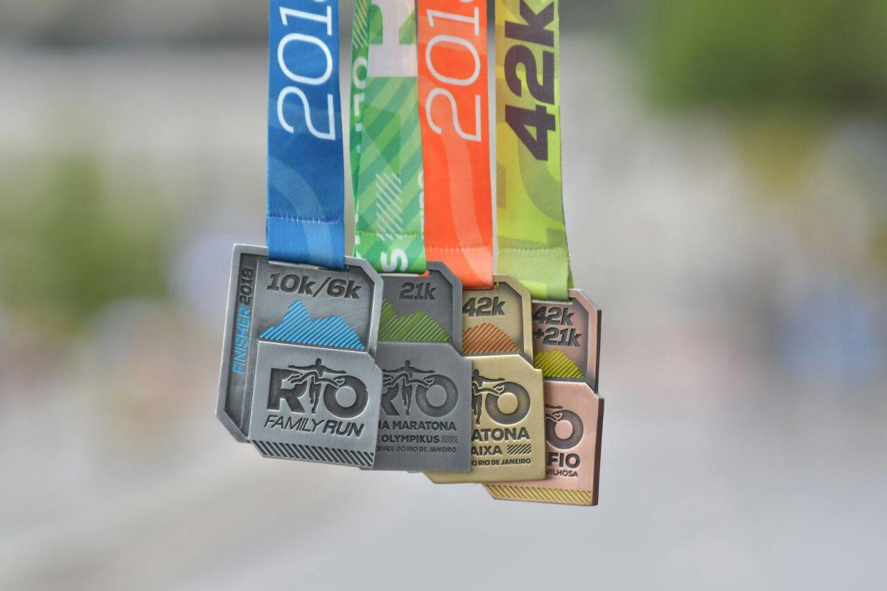 Medalhas da Family Run, Maratona, Meia e Desafio. | Foto: Divulgação