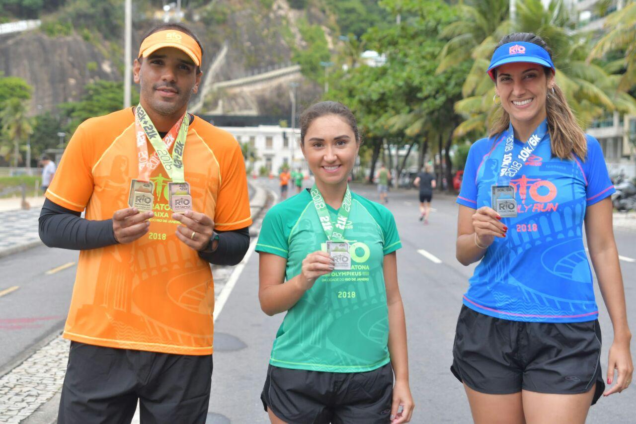 Corredores Mauro Sant'anna, Juliana Goulart e Bruna Dealtry, representantes dos 42k, 21k e Family Run | Foto: Divulgação