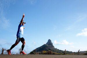 Corra no lugar mais bonito do mundo: falta um mês para 21k Noronha