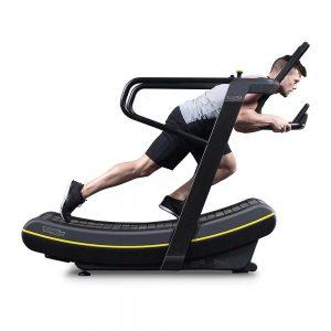 Treinamento em esteira curva pode trazer benefícios para o corredor