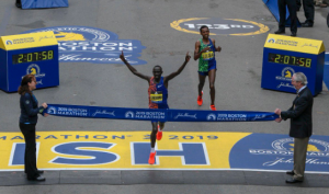 Campeão da Maratona de Boston 2019 vence por 2 segundos de diferença