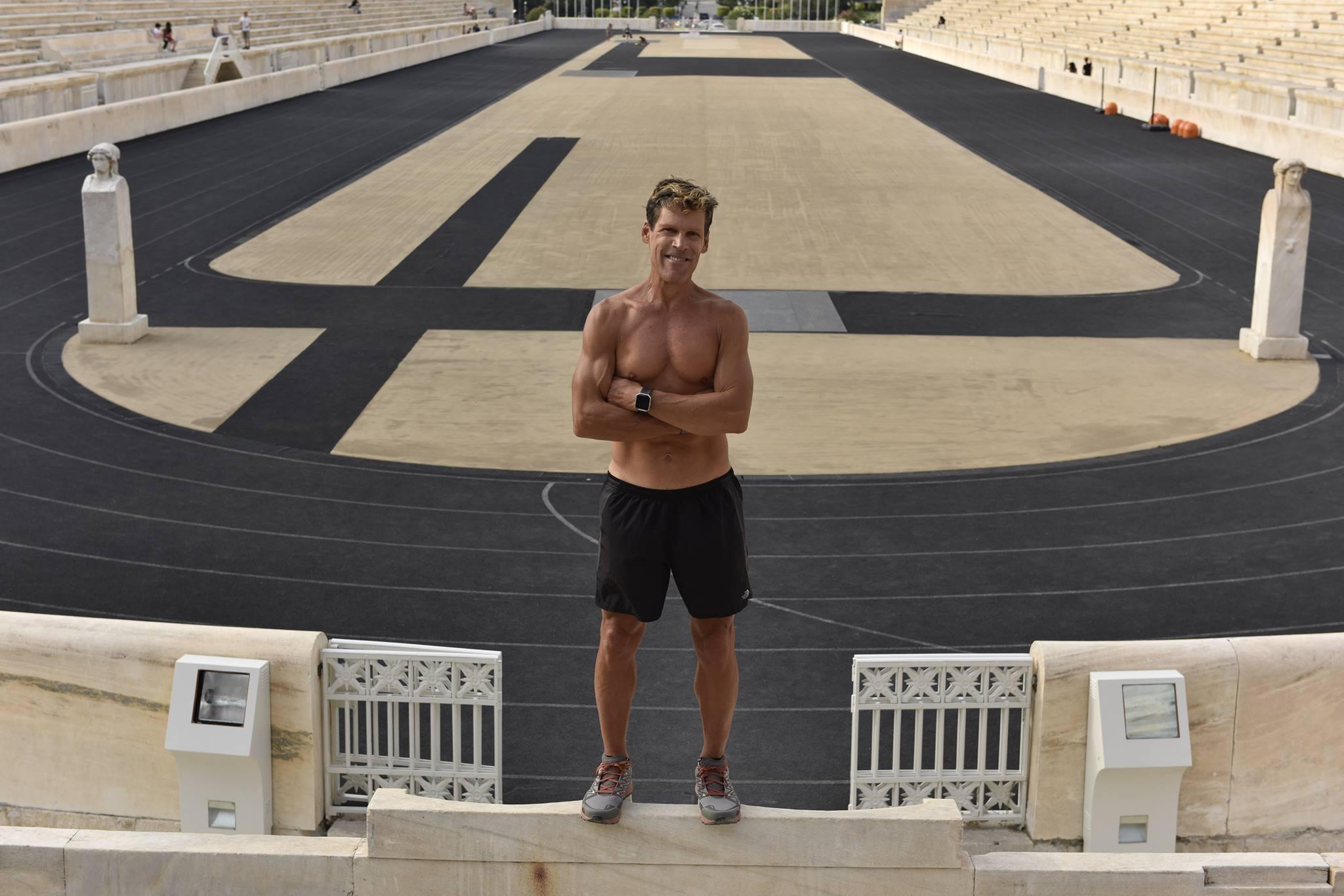 Depois de 15 anos sem correr, sua primeira corrida foi de 48 km Foto: Reprodução Facebook/ Dean Karnazes