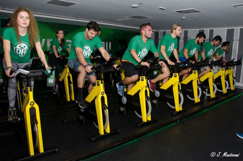 Uma academia composta por diferentes treinos de bike Foto: J. Mantovani/Divulgação