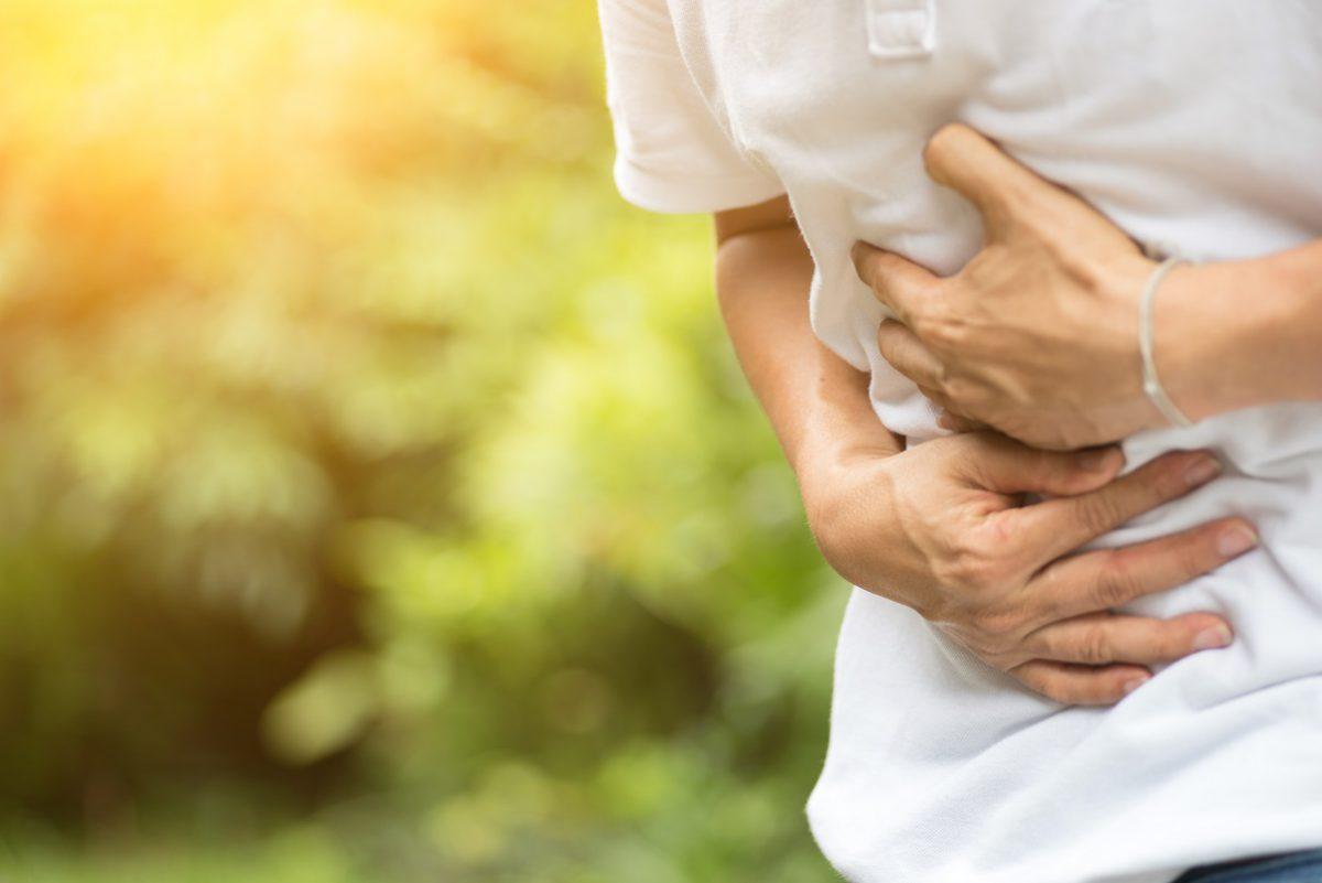 Você já sofreu de refluxo? Conheça as causas do problema