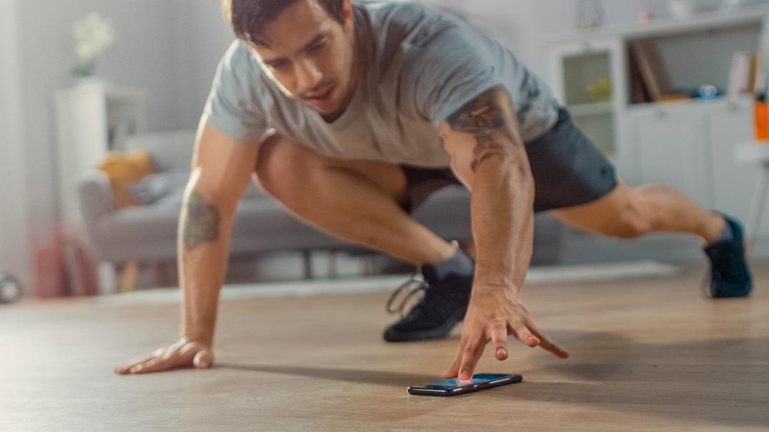 celular durante o treino