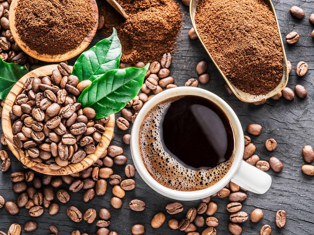 Descubra como a cafeína ajuda no desempenho esportivo