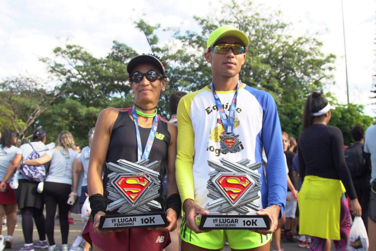 Corrida 10K Superman & Supergirl leva milhares ao Ibirapuera