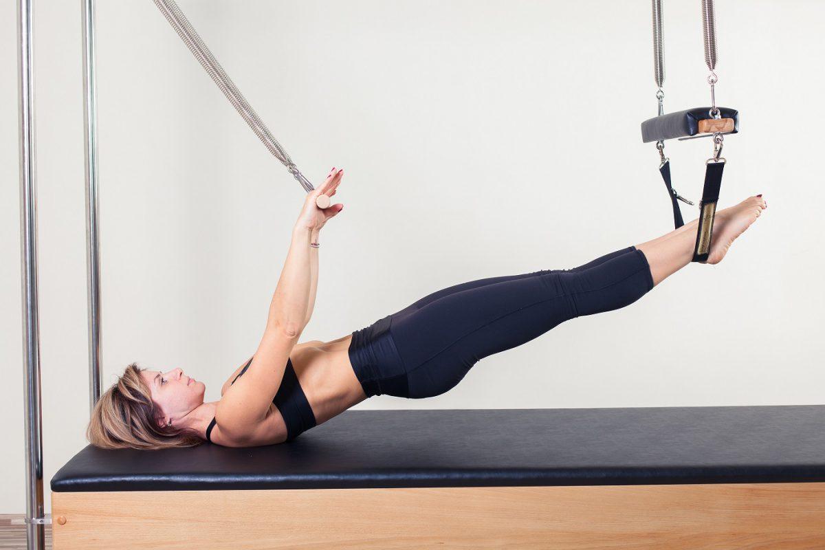 5 exercícios de pilates para ajudar a prevenir lesões na corrida e fortalecer o core