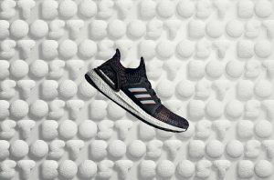 "Novas cores do UltraBoost 19 chegam com a estreia da campanha ""Feel the Boost"""