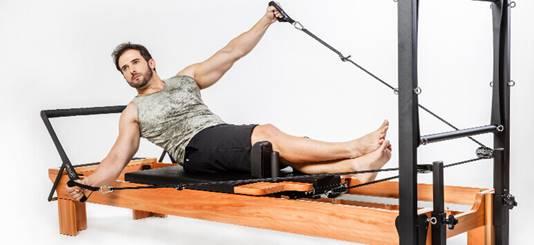 Conheça os 5 exercícios de pilates que mais agradam os homens - Foto: Reprodução