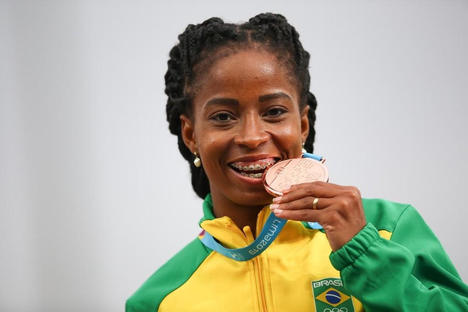 Vitória Rosa conquista ouro, prata e bronze no Pan de Lima - Foto: Alexandre Loureiro