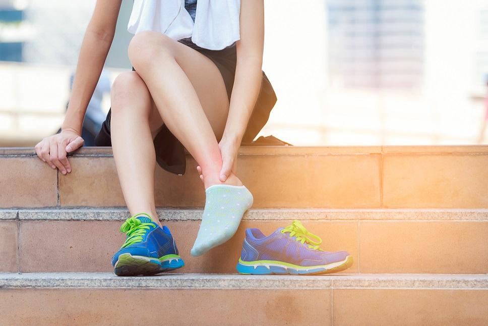 Principais lesões esportivas: entorse do tornozelo - Foto: Adobe Stock