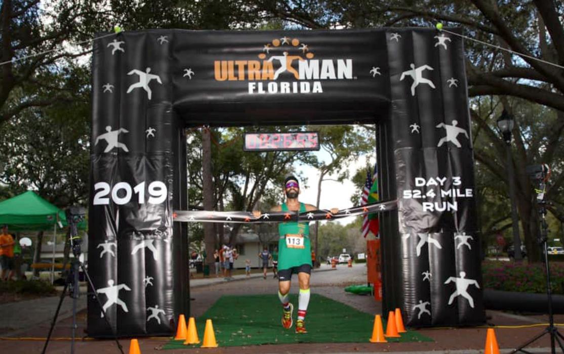 Triatleta carioca disputa o Mundial Ultraman, prova de 515 km, em três dias