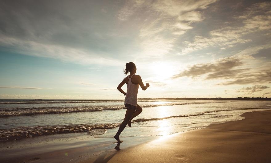 Corrida na areia: dicas para melhorar o seu desempenho e evitar lesões