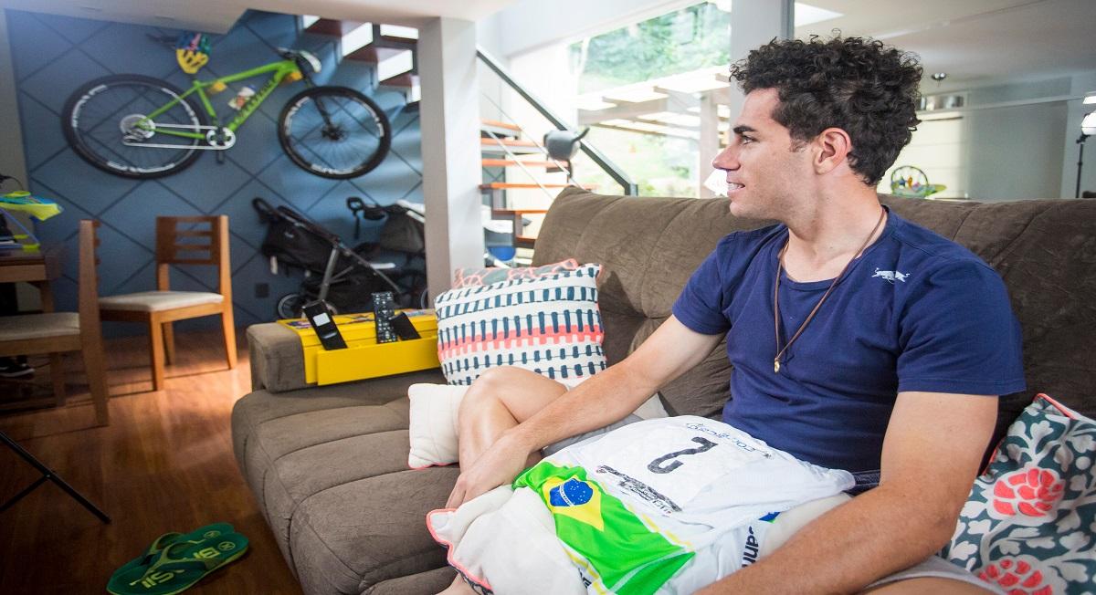 Henrique Avancini monta seleção de documentários para fãs de bike