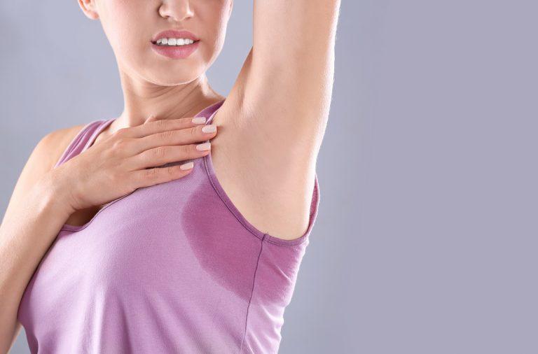 O incômodo da transpiração: dicas e cuidados para ajudar a controlar o suor