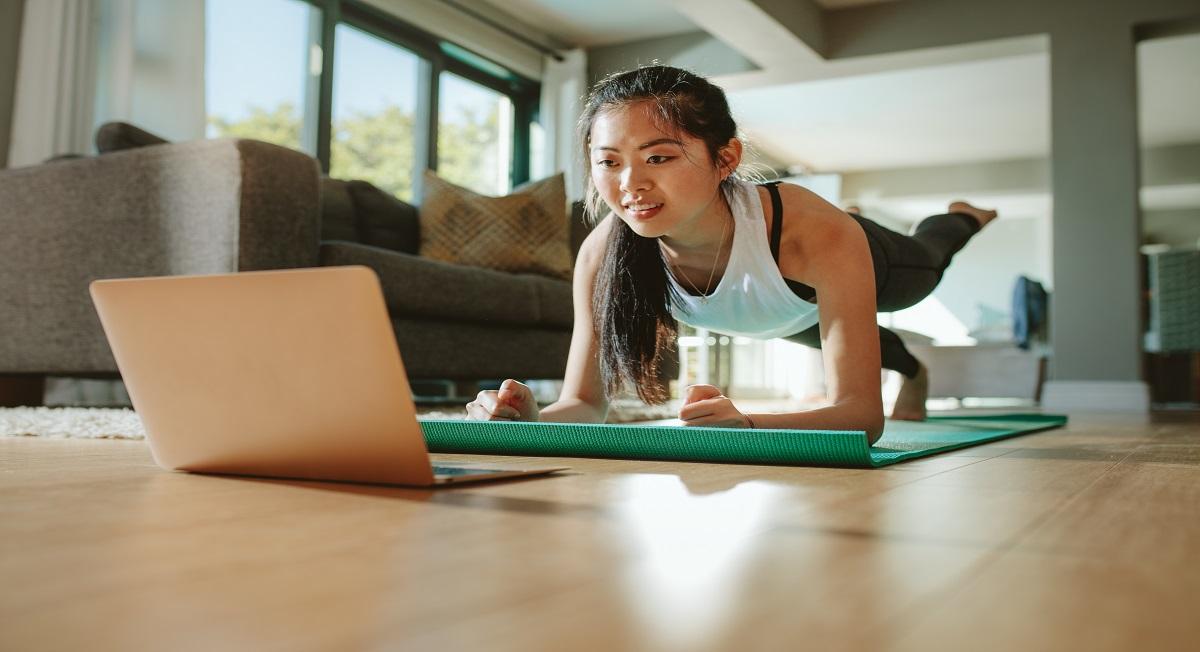 Exercício físico auxilia o controle da glicemia, mesmo realizado em casa