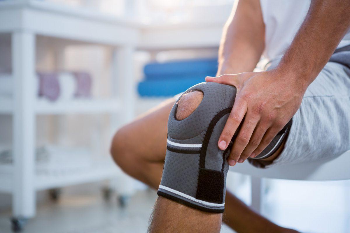 Como cuidar da saúde do joelho mesmo em casa