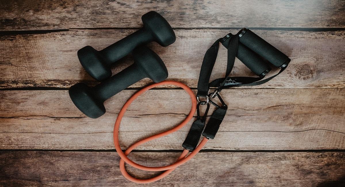 Especialista explica como manter a musculatura durante a quarentena