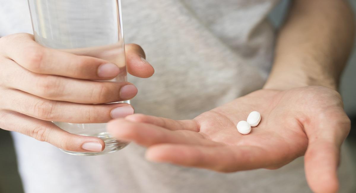 Dores musculares: devo ou não me medicar em casa? - Webrun
