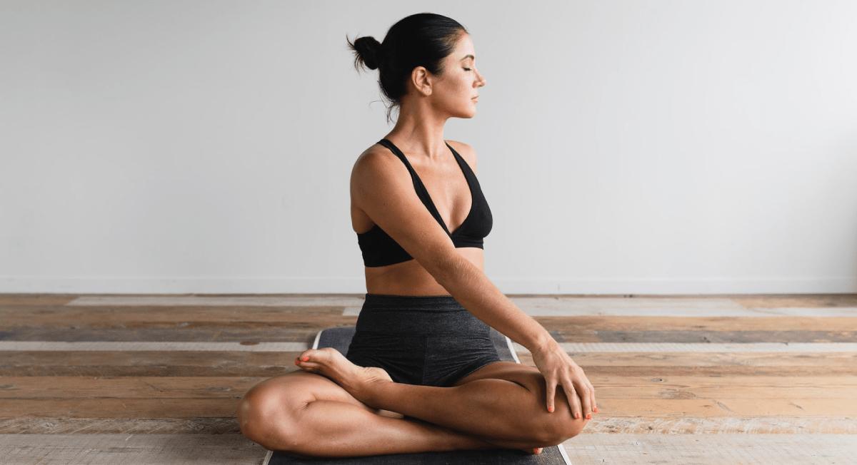 Posturas de Yoga ajudam a fortalecer o sistema imunológico - Webrun
