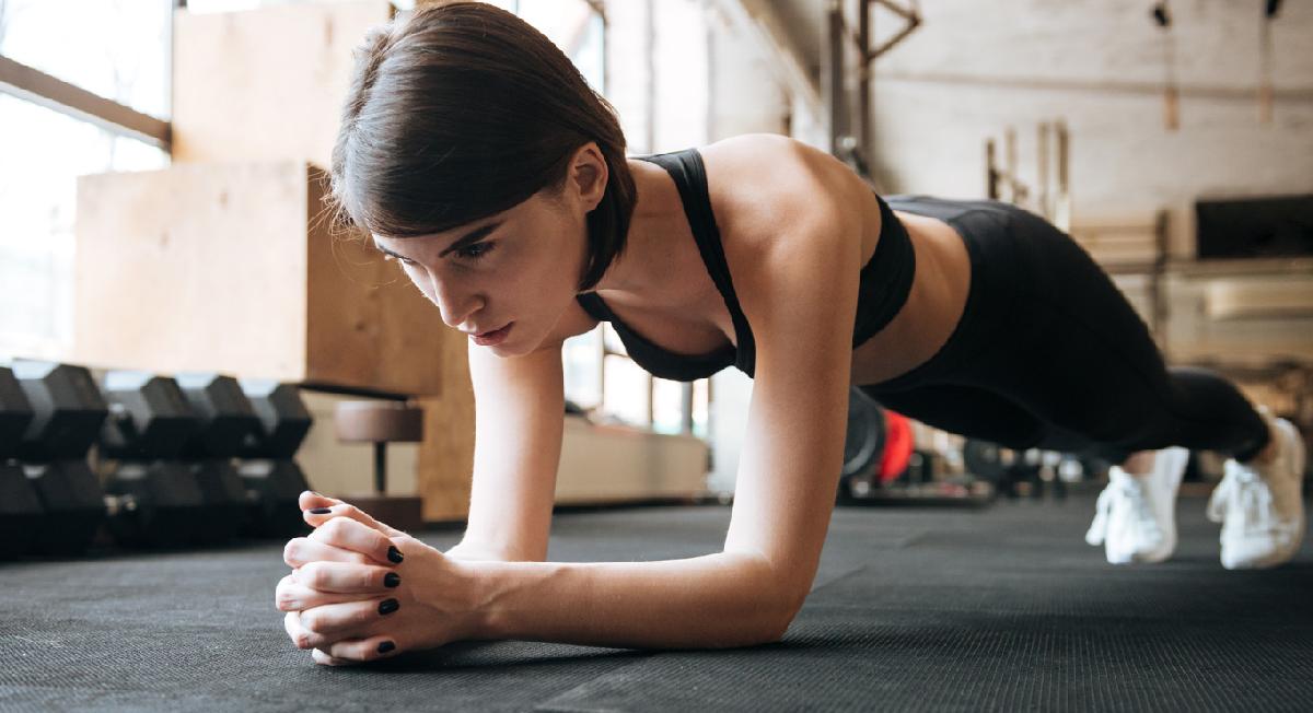 5 benefícios da prancha isométrica para você começar com esse exercício hoje mesmo