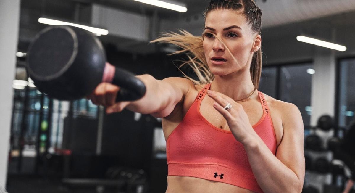 Under Armour lança top revolucionário para mulheres focarem apenas no treino