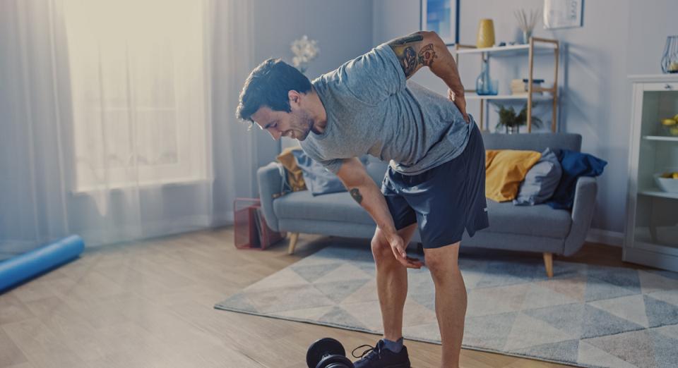 Dor nas costas nem sempre é muscular: conheça outras causas