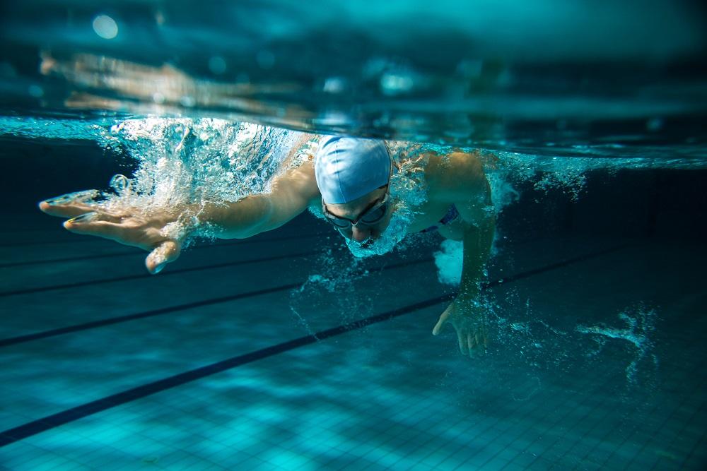 Natação: 10 motivos para começar a nadar o quanto antes