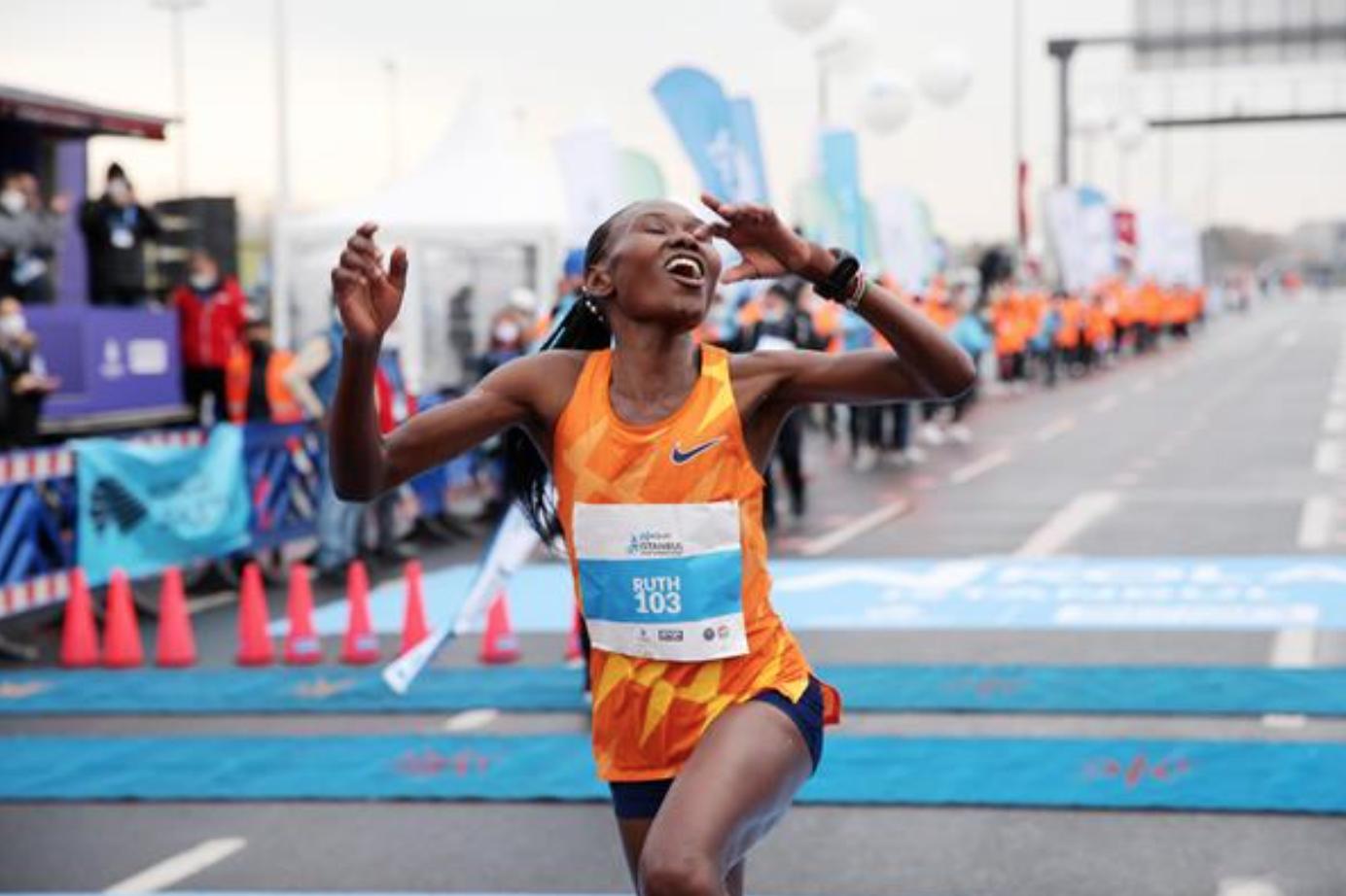Ruth Chepngetich quebra o recorde mundial de meia maratona, em Istambul