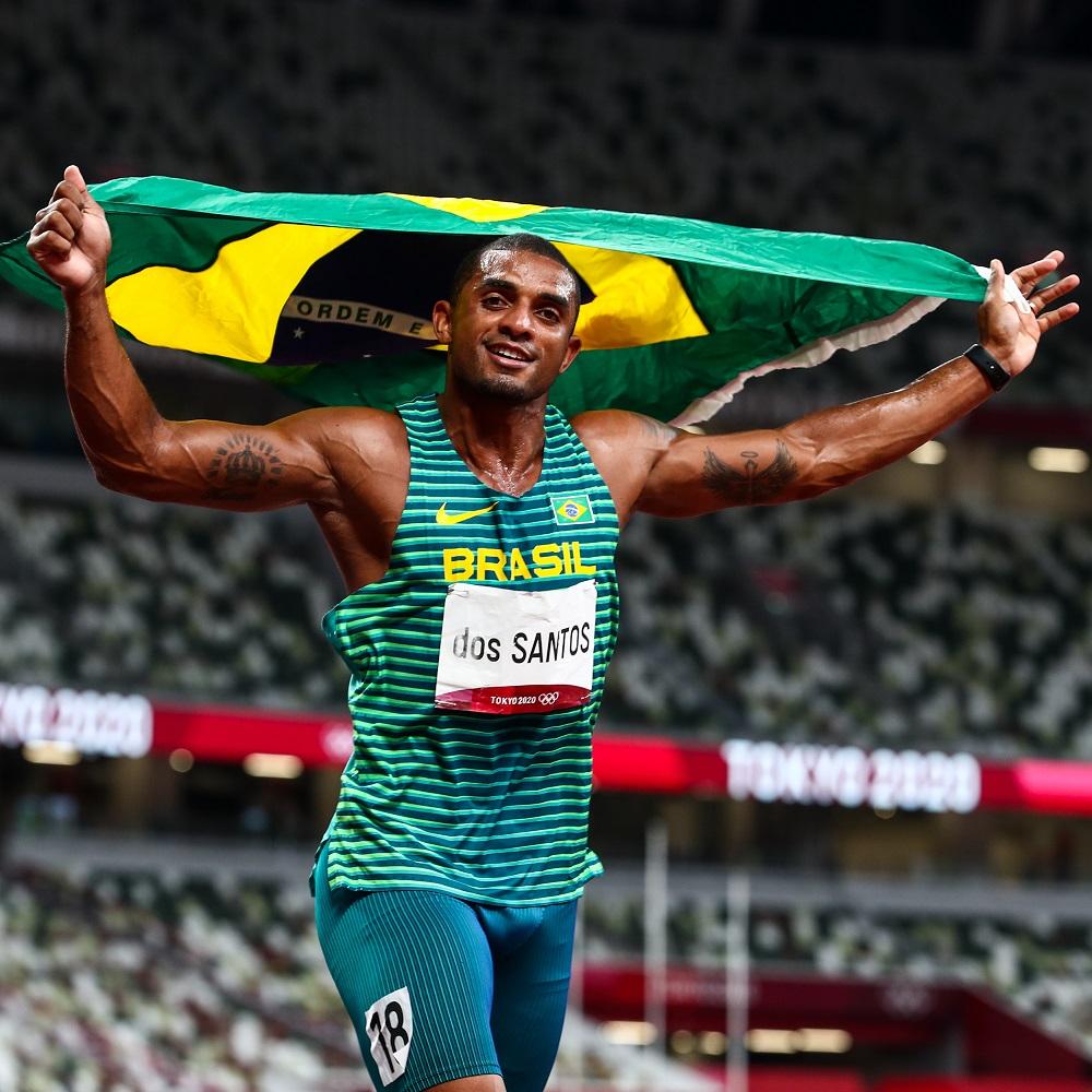 Atletas brasileiros se despedem do Estádio Olímpico de Tóquio