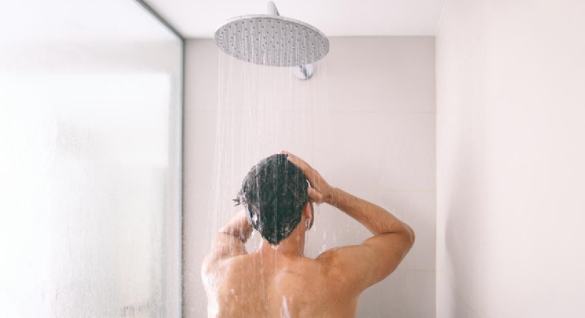 Mesmo no inverno, banho frio tem seus benefícios