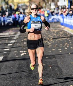 Americana de 50 anos conquista índice olímpico para correr a maratona em 2020