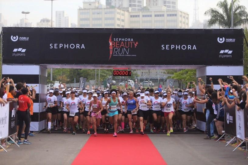 Corredoras das mais diversas idades participam da Sephora Beauty Run Foto: Rogério Capela