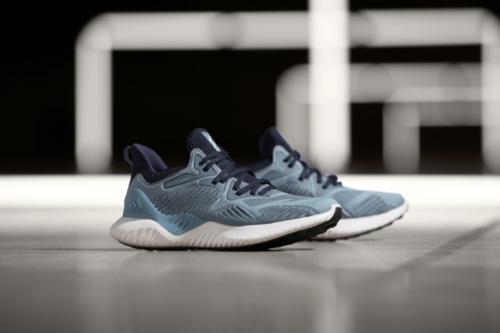 4b3a16f76a8 Adidas Running lança o novo AlphaBounce Beyond cinza azulado