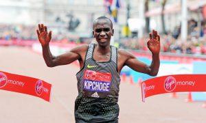 Kipchoge, nome mais cotado para quebrar o recorde mundial dos 42k, descarta competir a distância novamente neste ano