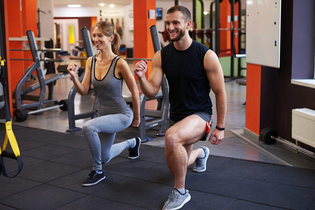 O que fazer para evitar o inchaço nas pernas em dias quentes? - Foto: Fotolia