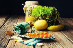 É possível substituir alimentos por suplementos com as mesmas vitaminas?