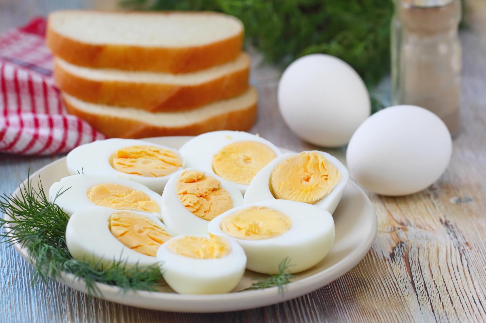 O ovo é fonte de vitaminas A, D, E e B12, que, de uma maneira geral fazem bem aos olhos, pele, ossos e memória, respectivamente Foto: Markus Mainka/Fotolia