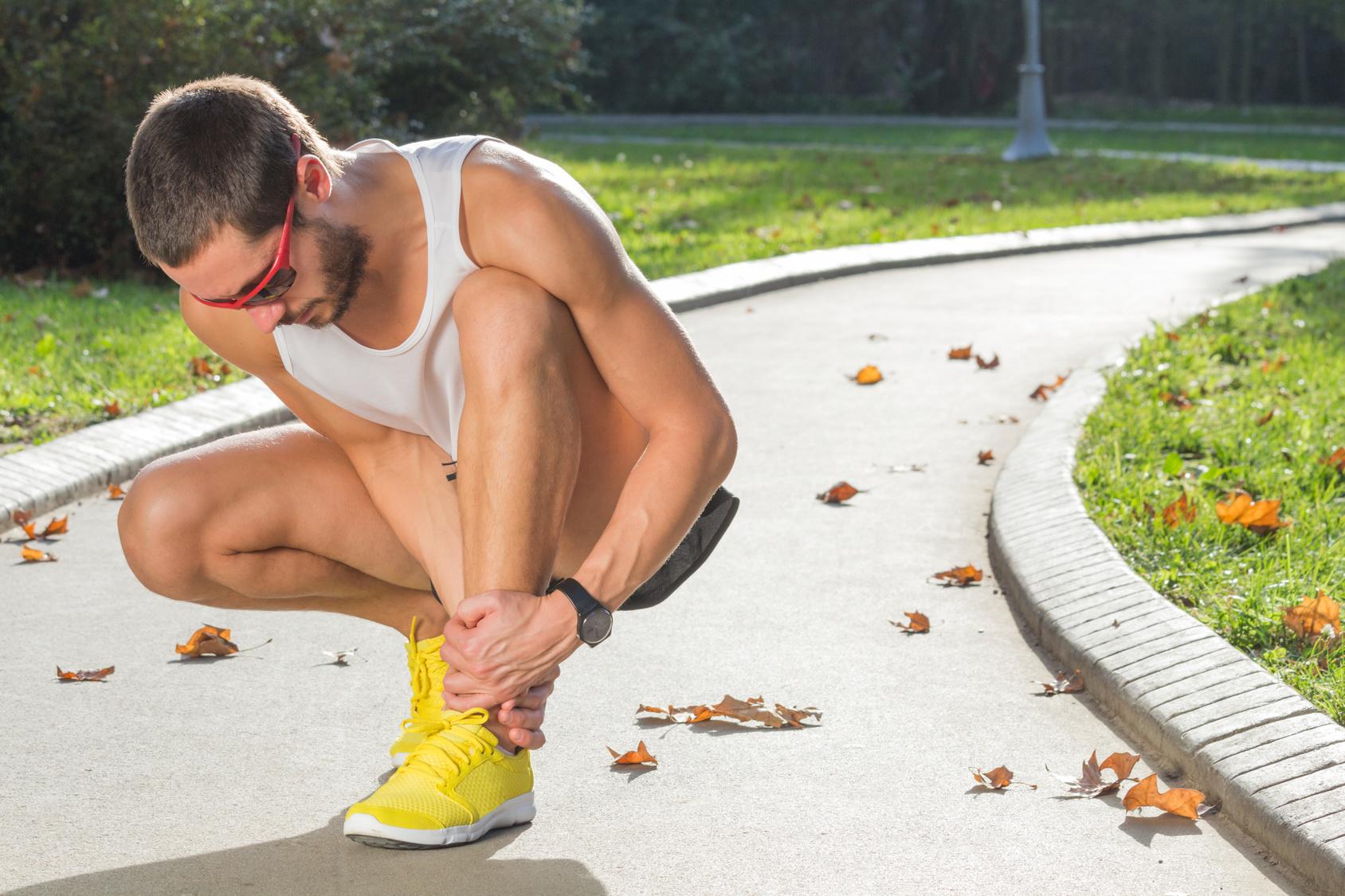 Se você já está com dor, forçar a corrida vai doer mais ainda Foto: astrosystem/Fotolia