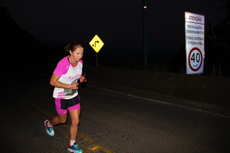Letícia nos últimos quilômetros dos 25 km Foto: Christina Volpe/Webrun